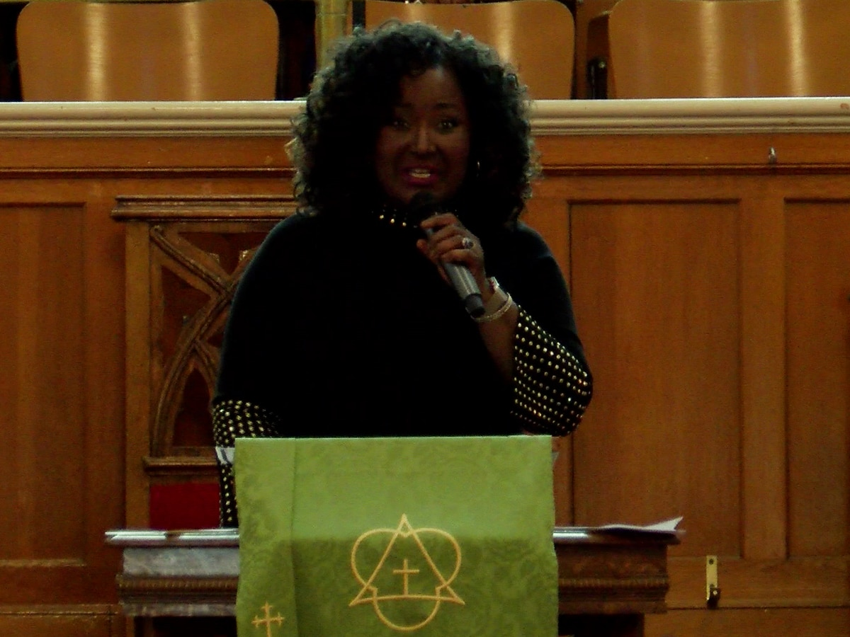 Former NBC12 anchor Sabrina Squire honored for being a 'trailblazer'