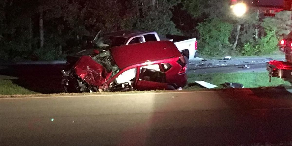 4 people injured in SUV, pickup truck crash on Parham Road