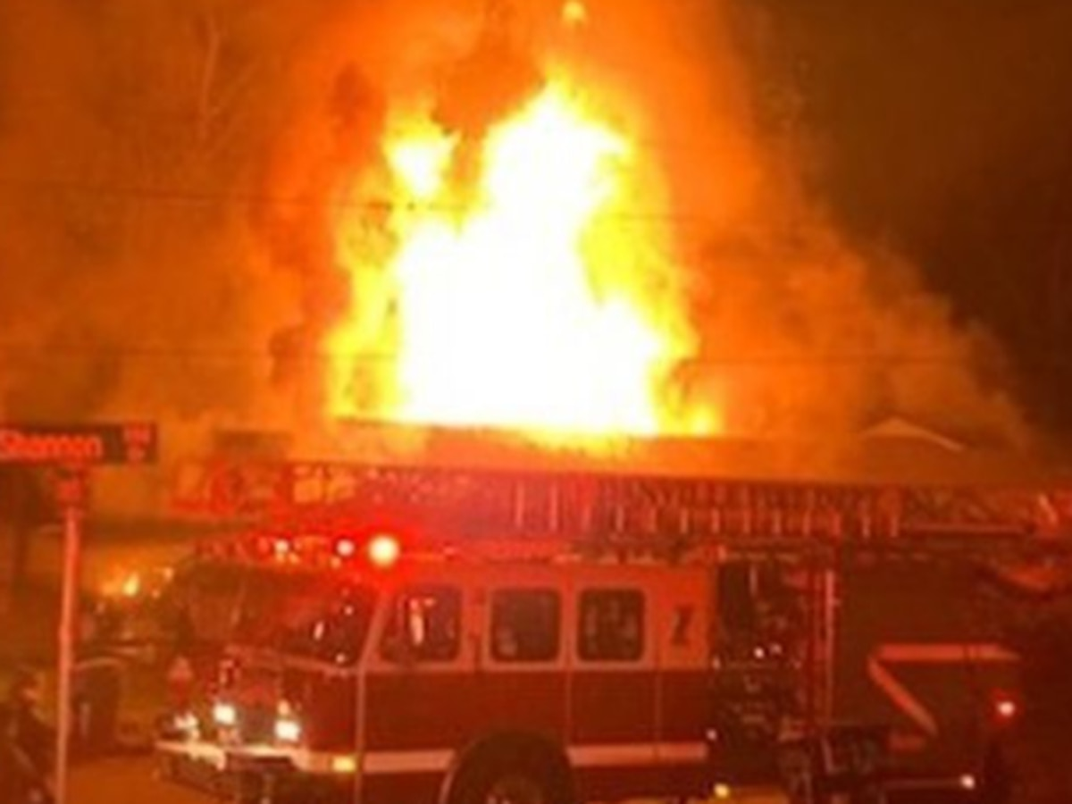 5 children, 2 adults displaced by Danville fire