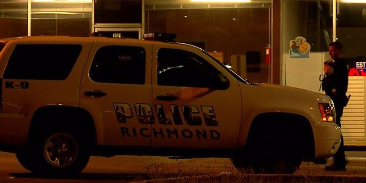 Armed robbery suspects wanted after early morning heist