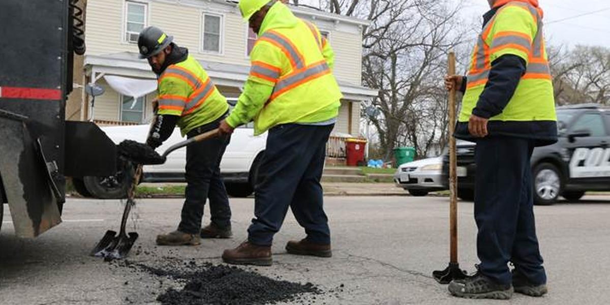 Petersburg begins war on potholes