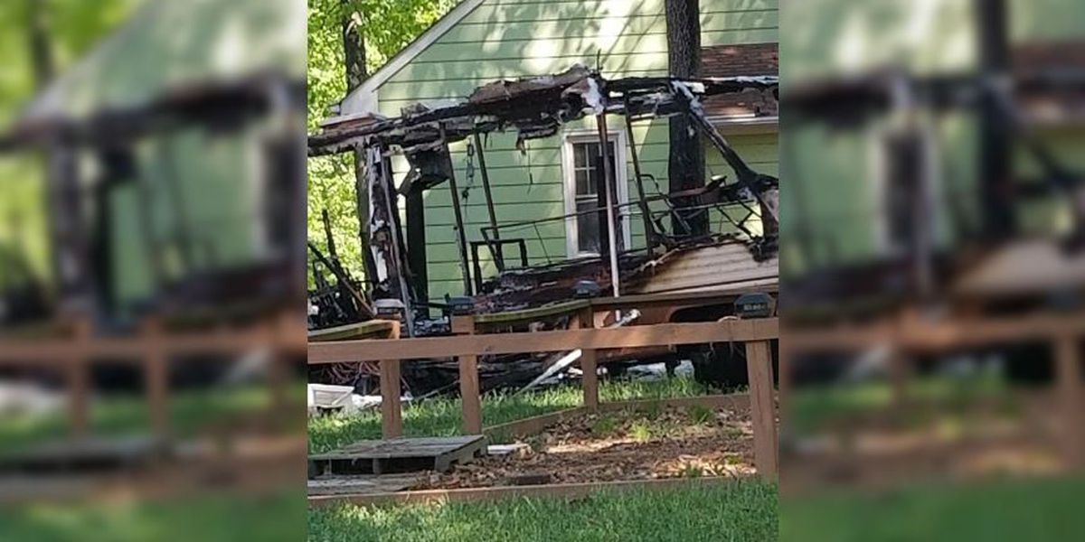 RV fully engulfed in flames; causes exterior damage to 2 homes