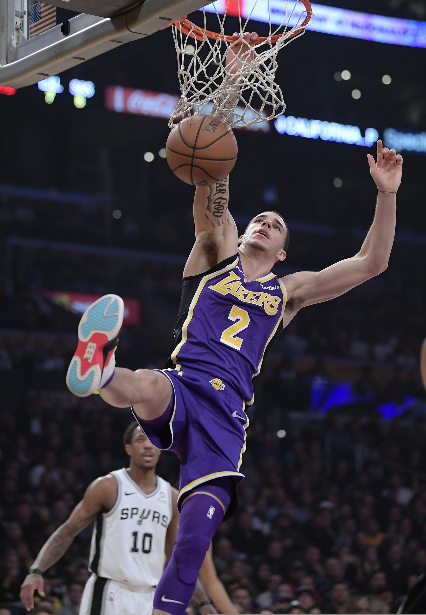 Lebron Scores 42 As Lakers Surge Past Spurs Late 121 113