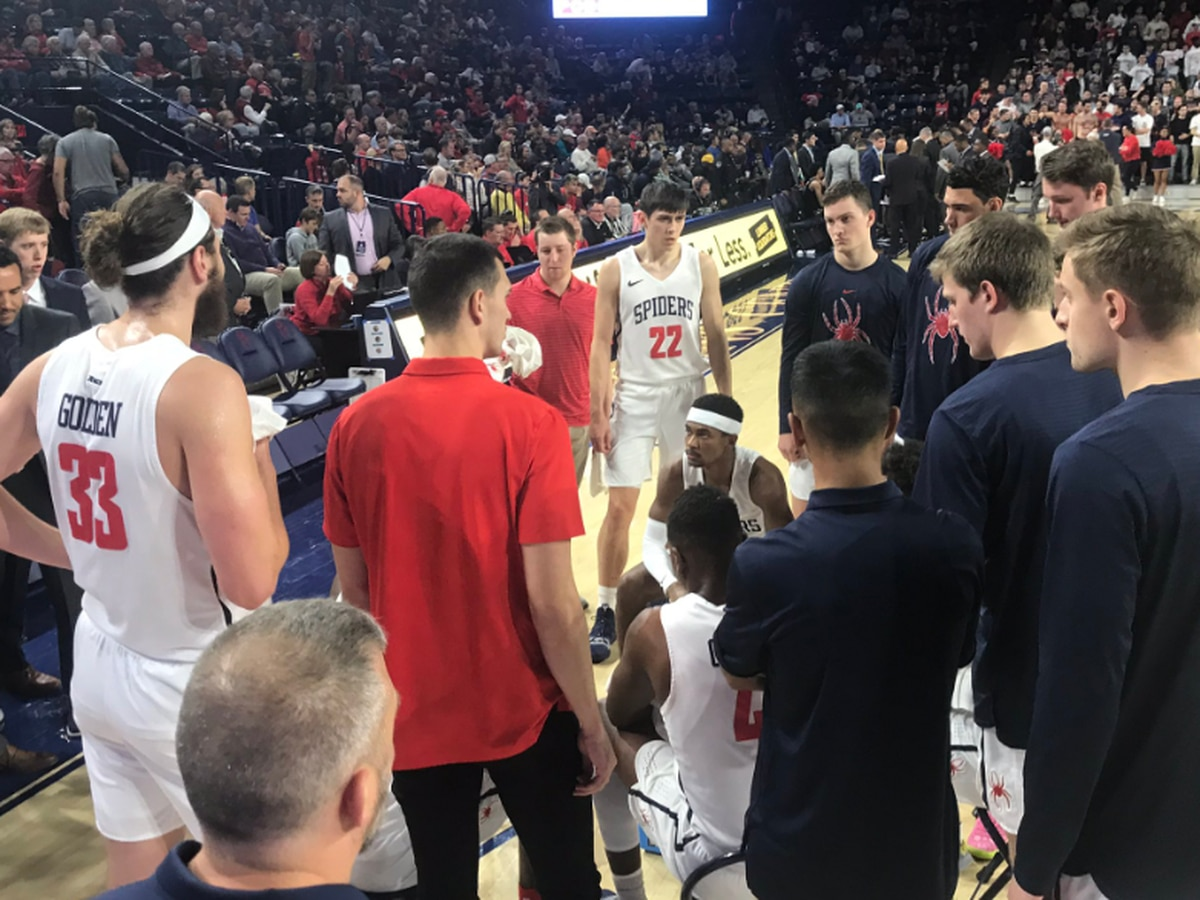 Spiders can't ground No. 7 Flyers in front of sold out crowd