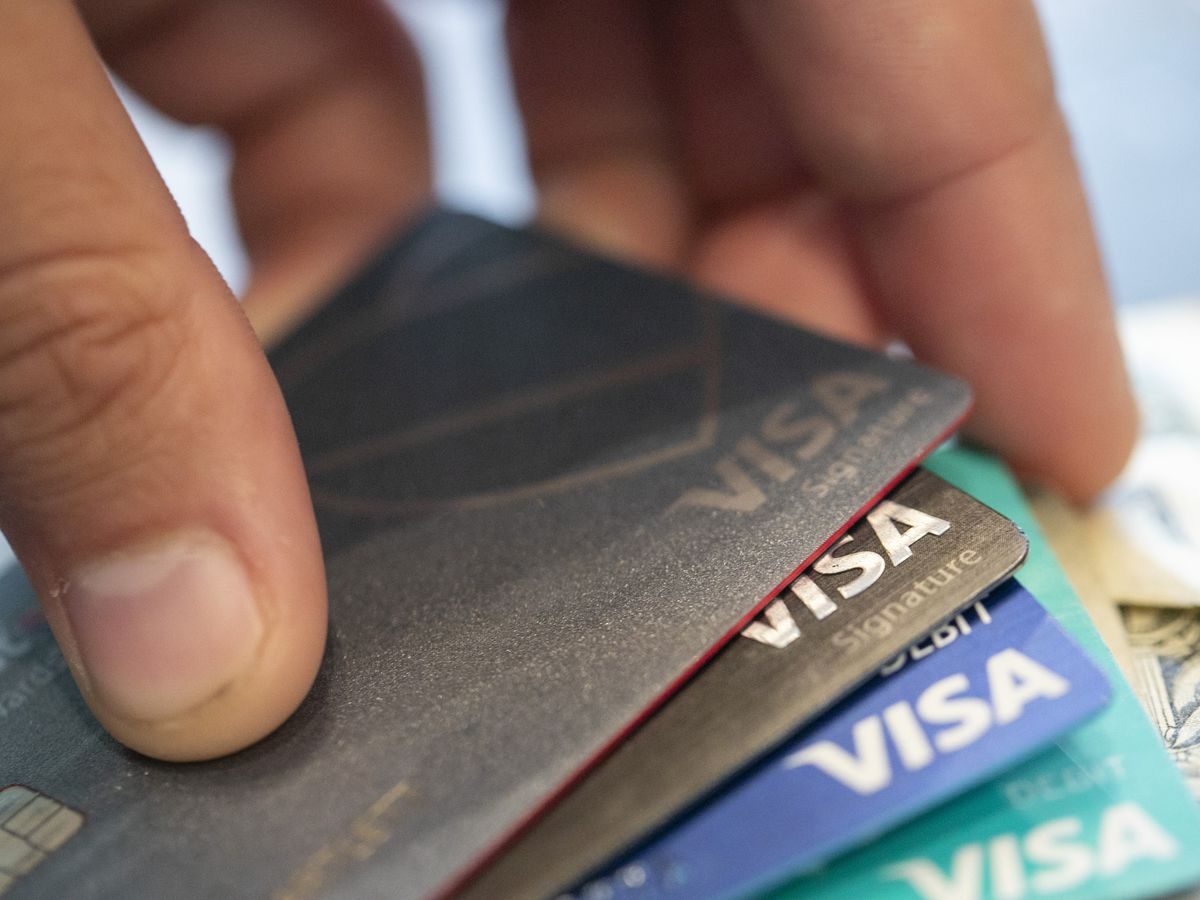 US consumers reduced their borrowing by $18.3 billion in May