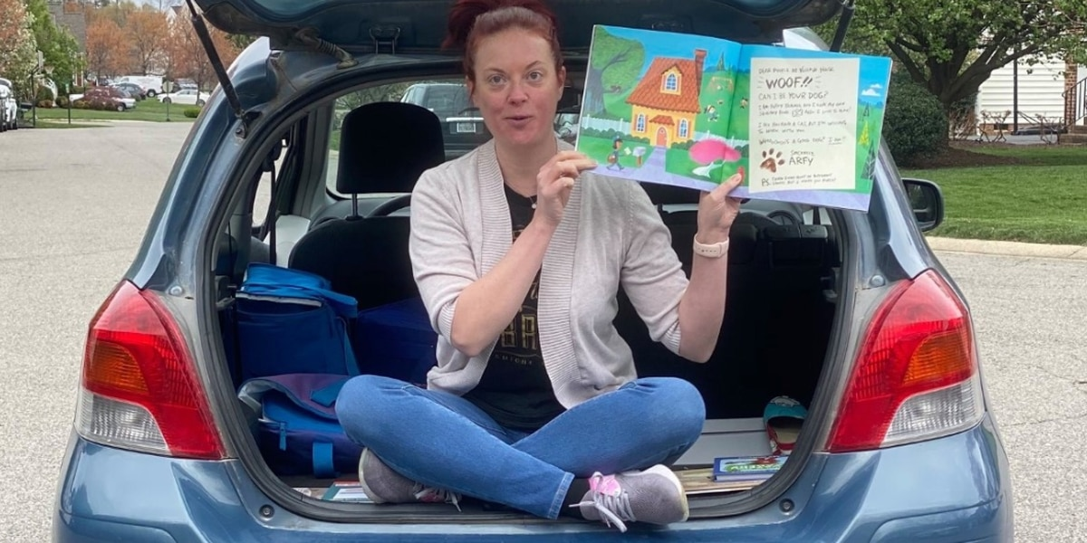 Henrico librarian holds 'Roadside Read-A-Louds' for students