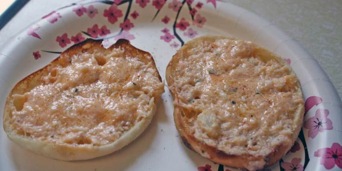 Super Bowl Snacks: Crab and cheese English muffin appetizers