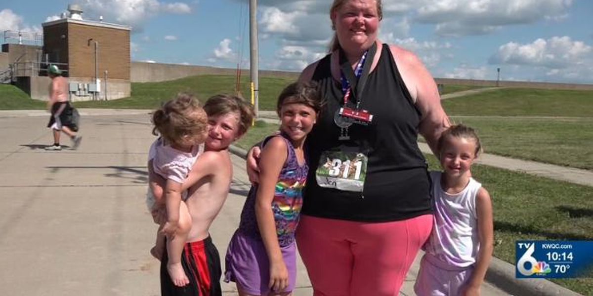 Iowa woman sets world record for heaviest female to complete marathon