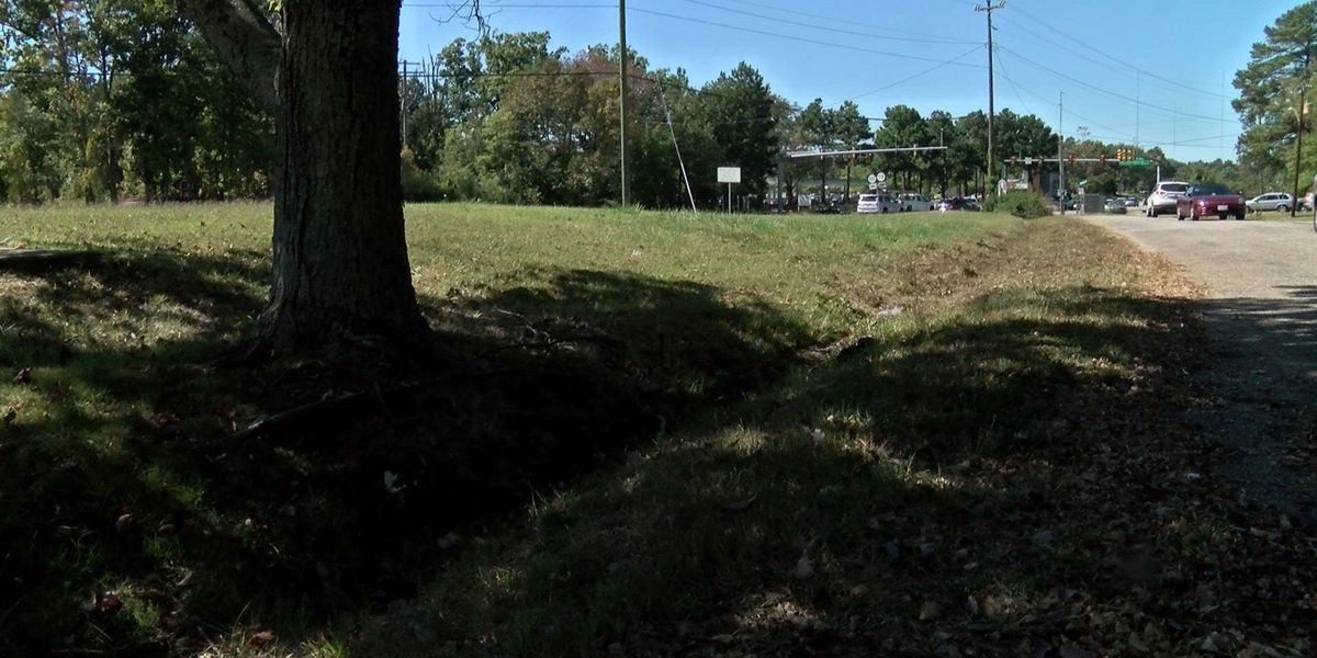 On Your Side: Vacant lot in Chesterfield cleaned up