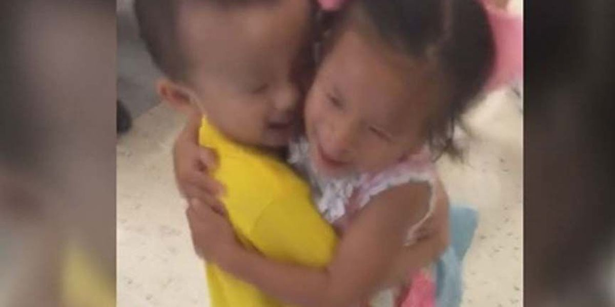 Touching reunion between toddlers goes viral