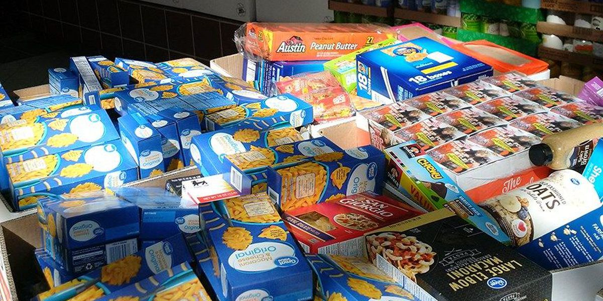 Bank helps collect more than 10,000 items for FeedMore