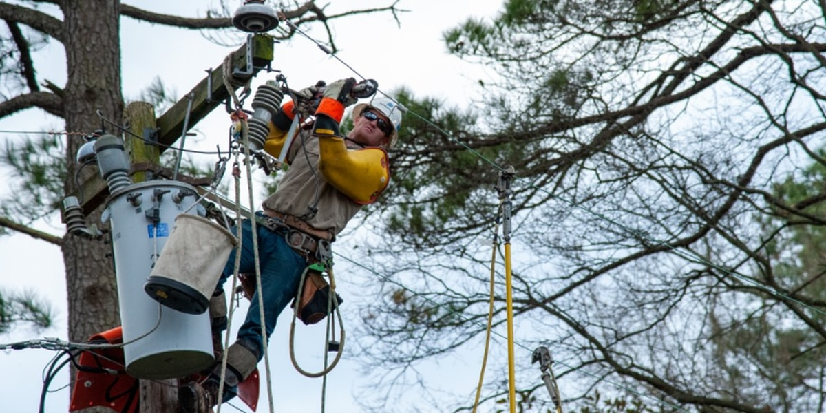 Crews work to restore power across greater Richmond area