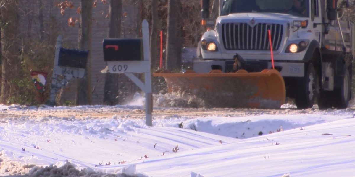 VDOT works to clear secondary roads, neighborhoods