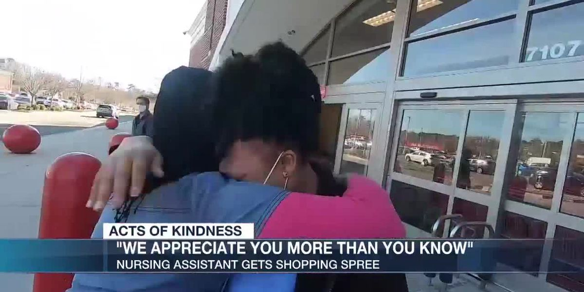 Richmond nursing assistant awarded with shopping spree