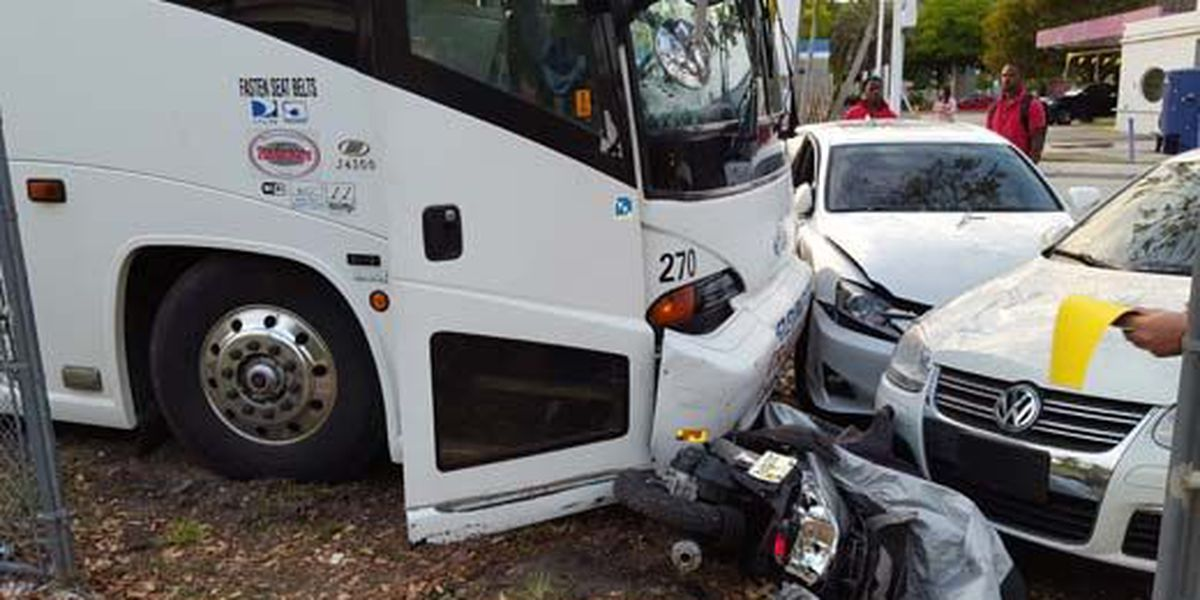 Bus driver of UVA baseball team dies after team bus crashes in Miami
