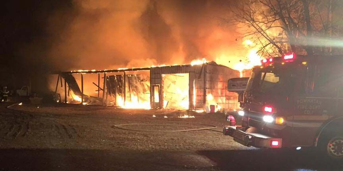 Crews respond to Powhatan barn engulfed in flames