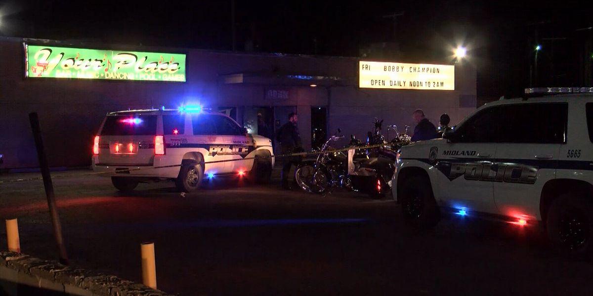 1 killed, 3 hurt in shootout between motorcycle gangs at Texas bar