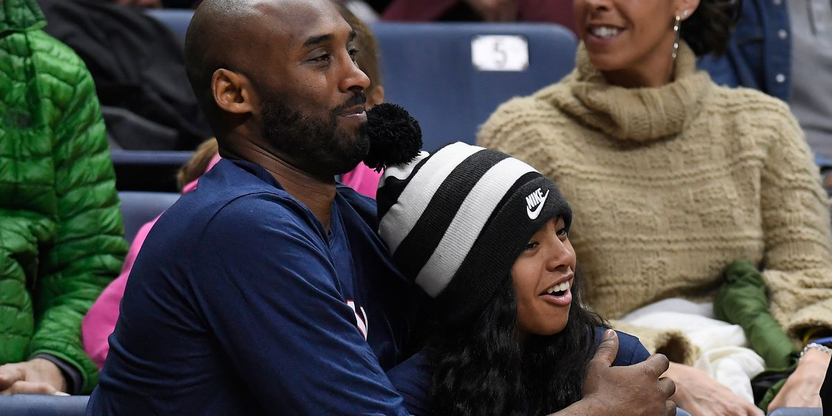 Kobe Bryant, daughter Gianna among 9 killed in helicopter crash, reports say