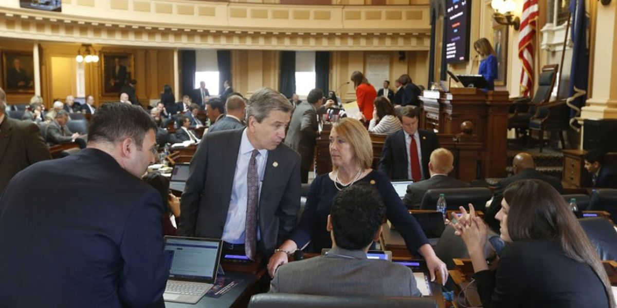 Virginia lawmakers send 'historic' energy bill to governor