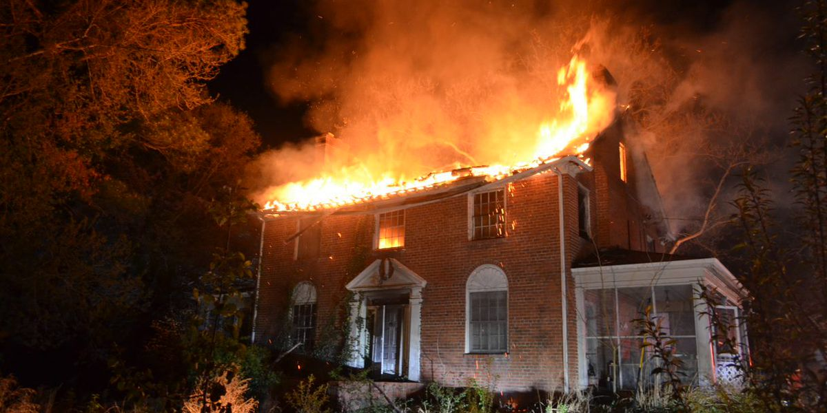 Crews battle large house fire in Henrico near I-295