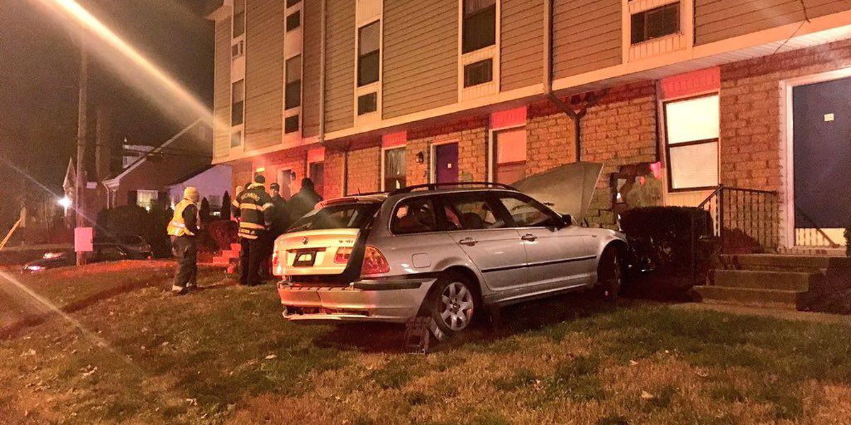 Man arrested in Richmond after crashing into apartment complex