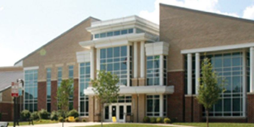 Picture of person with gun sent to Glen Allen H.S. students