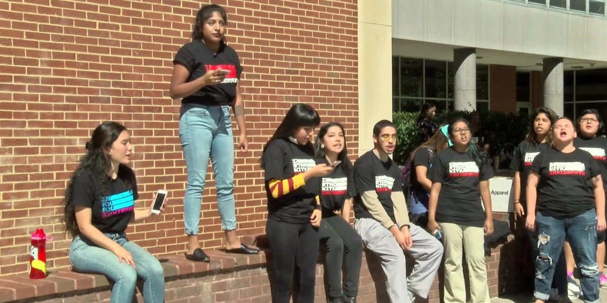 VCU immigrants and supporters rally as DACA deadline approaches