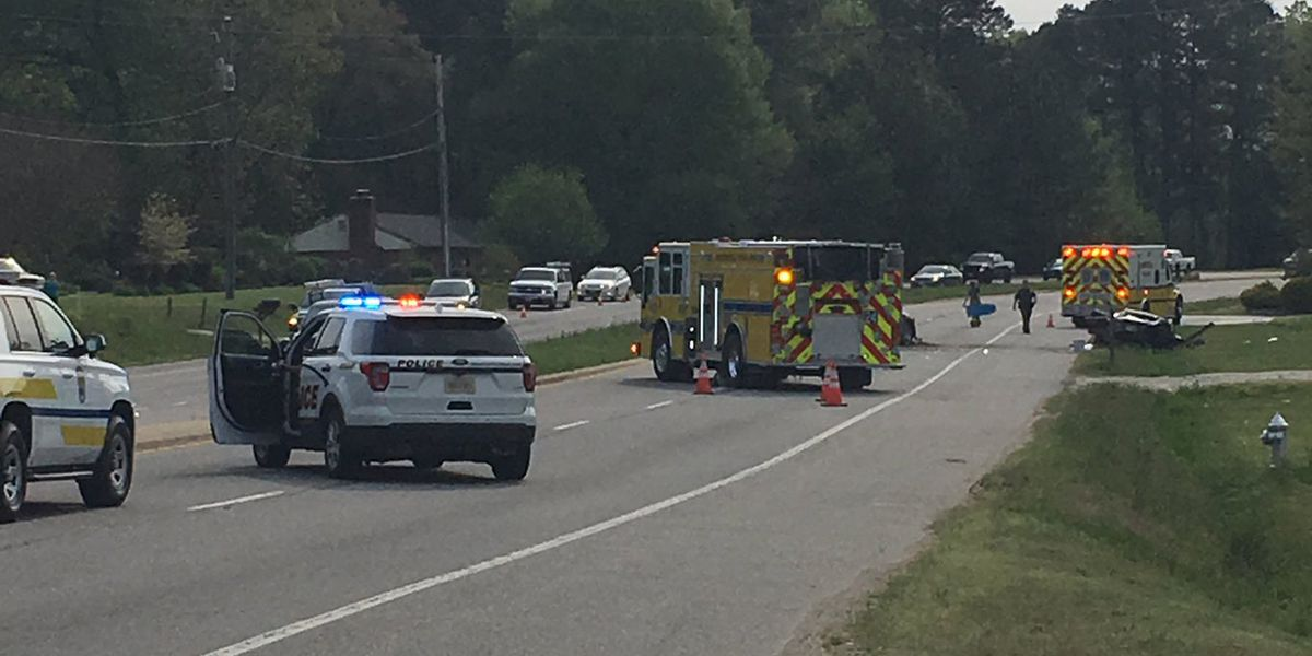 3 sent to hospital after 'serious' crash in Chesterfield