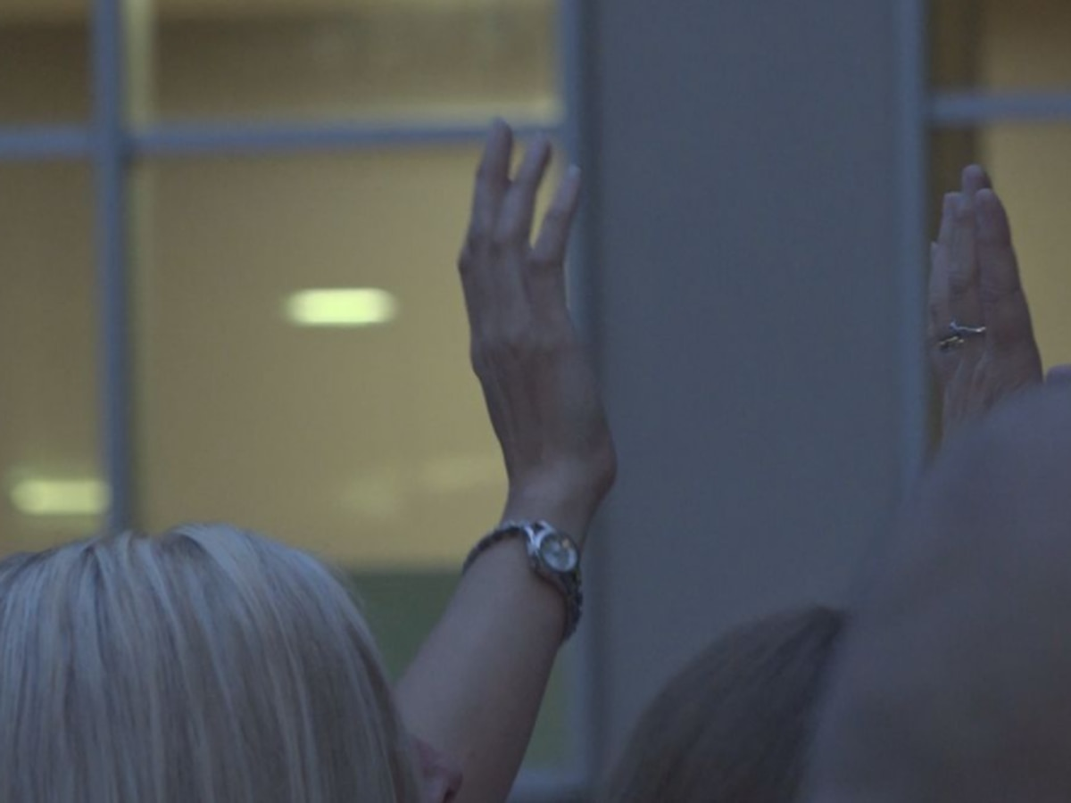 Community gathers nightly outside hospital window to pray for pastor fighting COVID-19