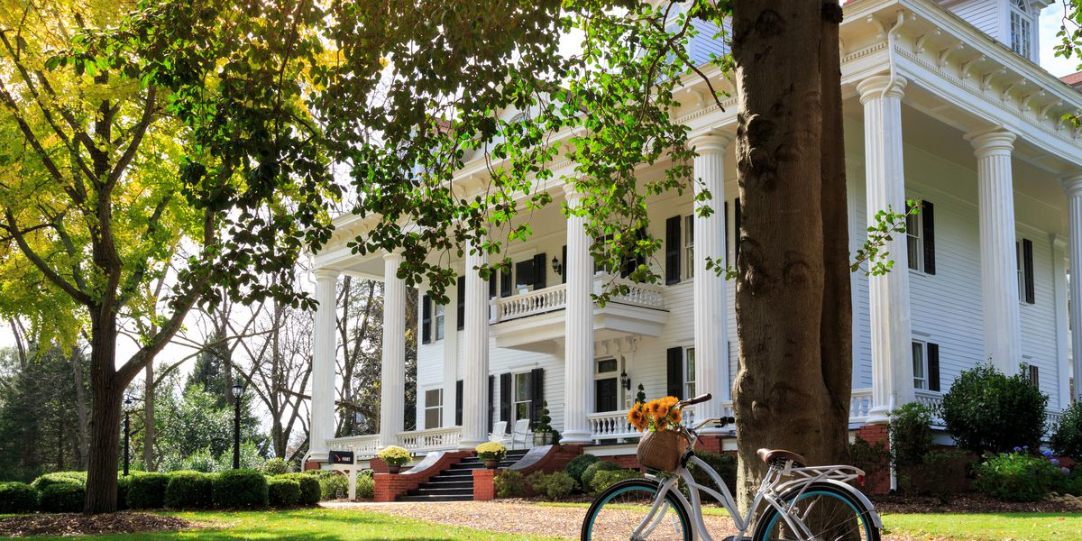 """Twleve Oaks """"Gone with the Wind"""" mansion"""