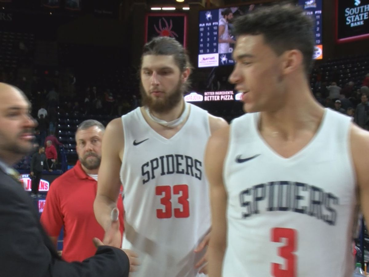 Strong shooting, defense propel Spiders past La Salle
