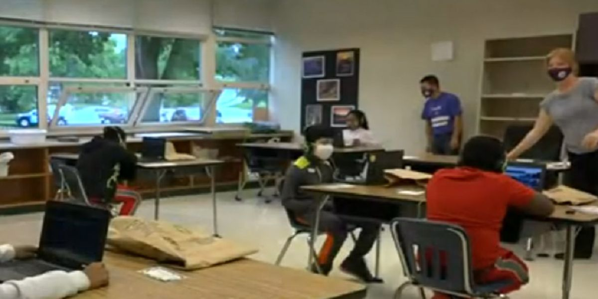 Lawmakers in Richmond join battle over getting all students back in the classroom