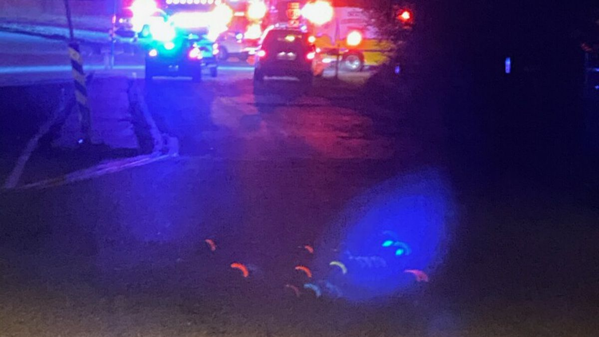 Man injured in two-car accident on Chippenham Parkway