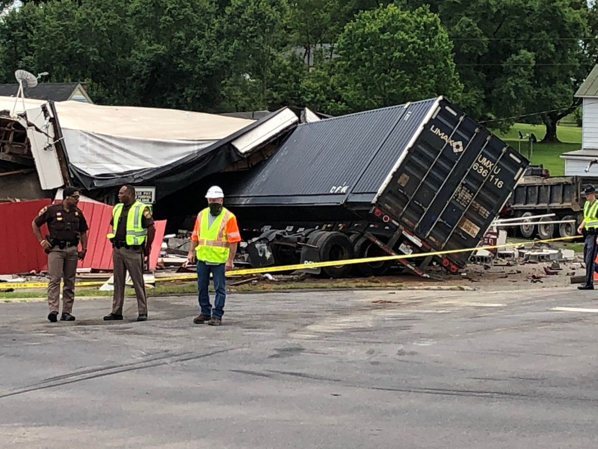 Tractor trailer crashes into Somerset Center Store