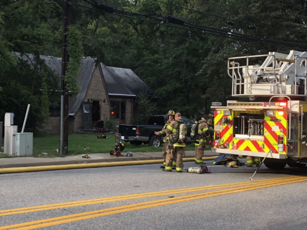 2 adults, 3 children displaced after fire in Chesterfield
