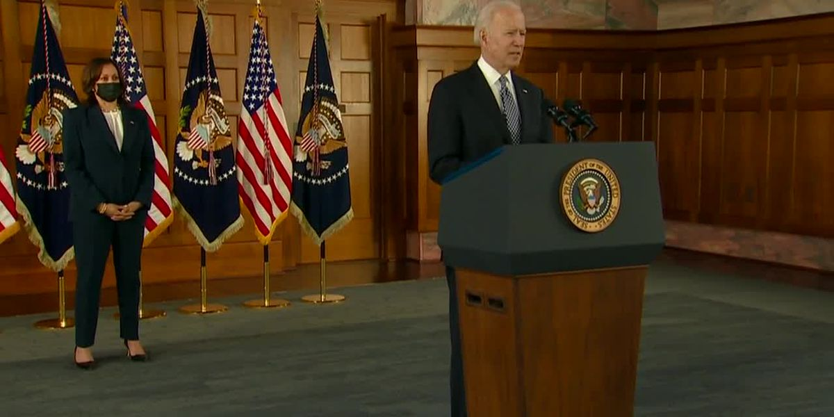 AP-NORC poll: Biden bolstered by strong marks on pandemic