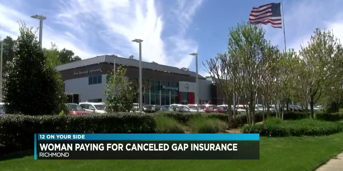 Woman paying for canceled gap insurance