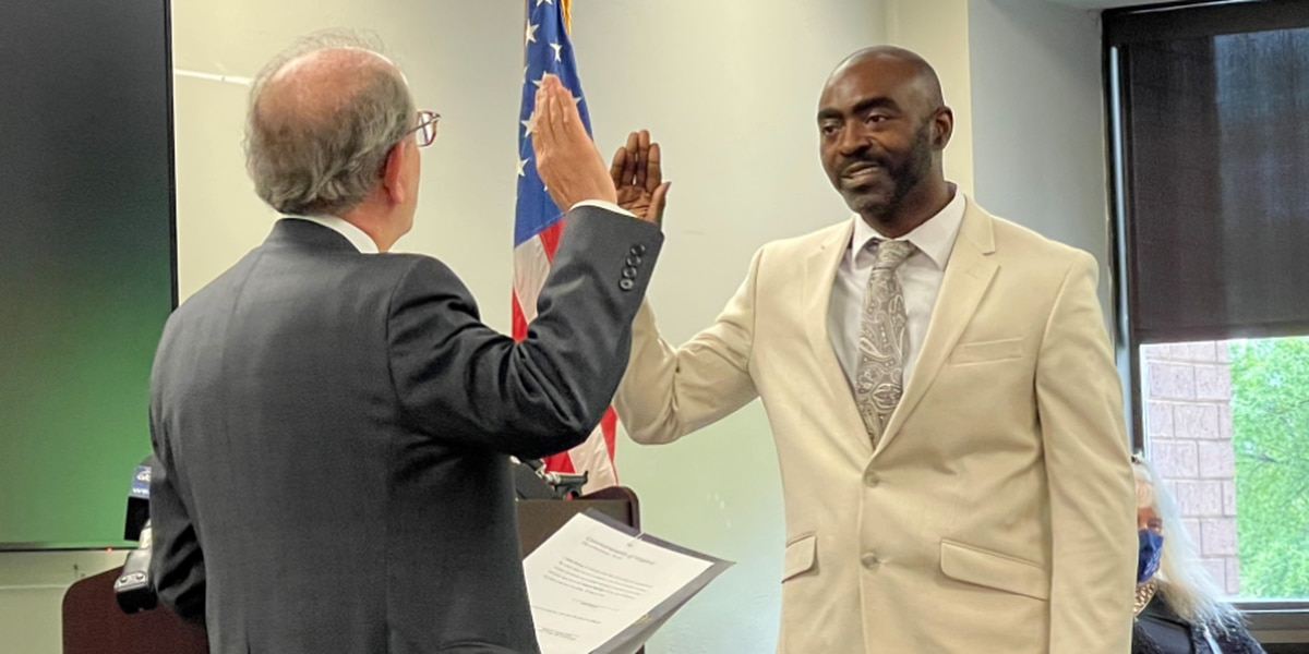 City of Richmond swears in new voter registrar