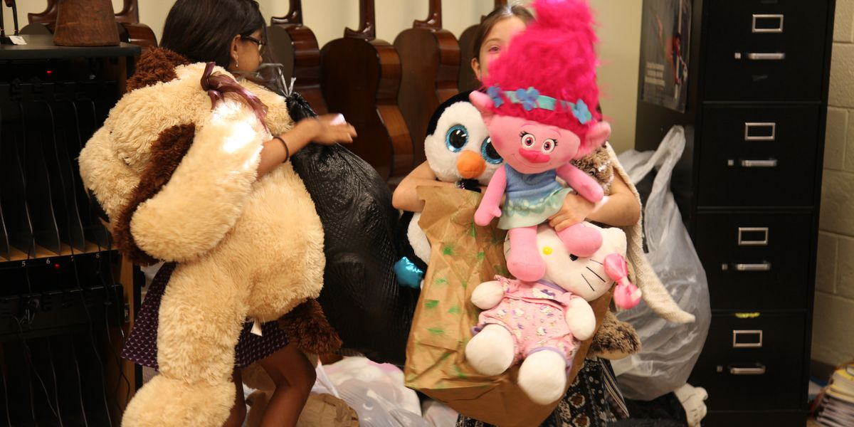 Students collect, deliver stuffed animals to children in need