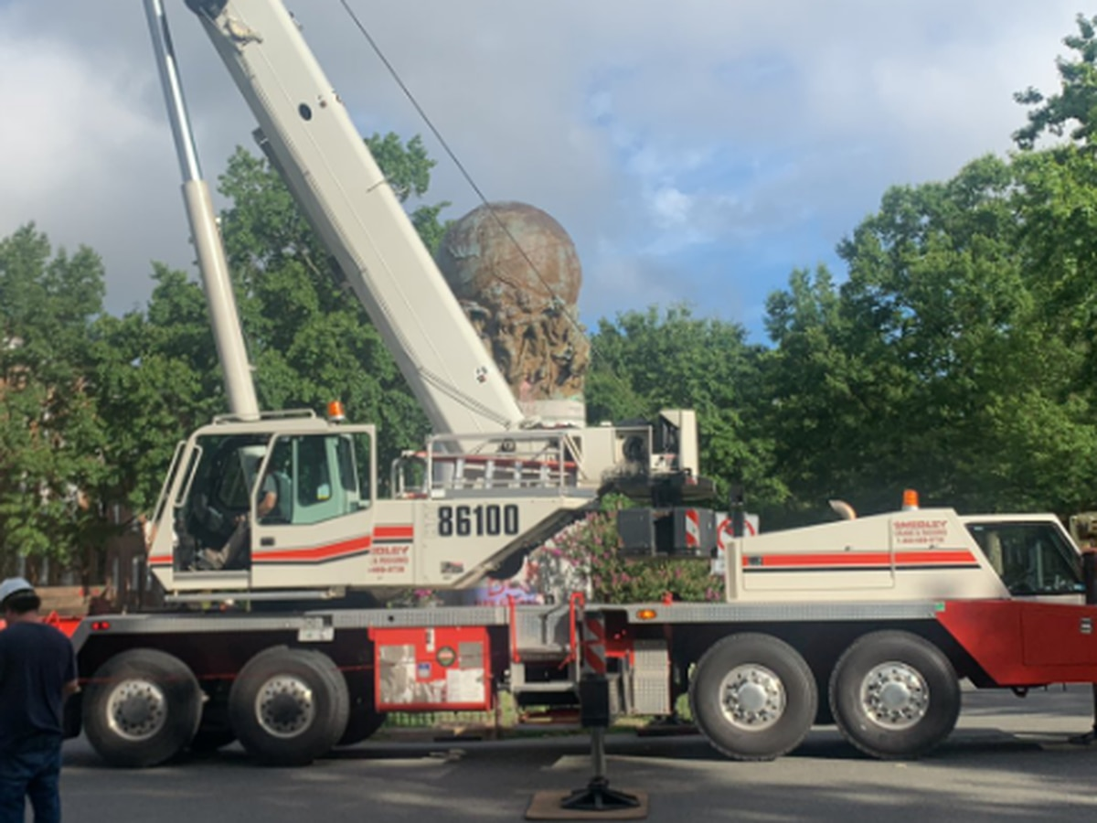 Crews return to site of former Maury statue to remove globe