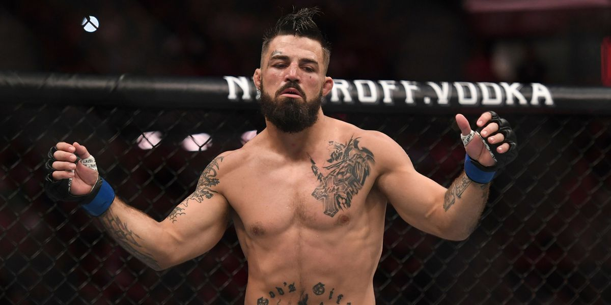 UFC fighter Mike Perry uses racial slurs, throws punches at Lubbock, Texas, restaurant