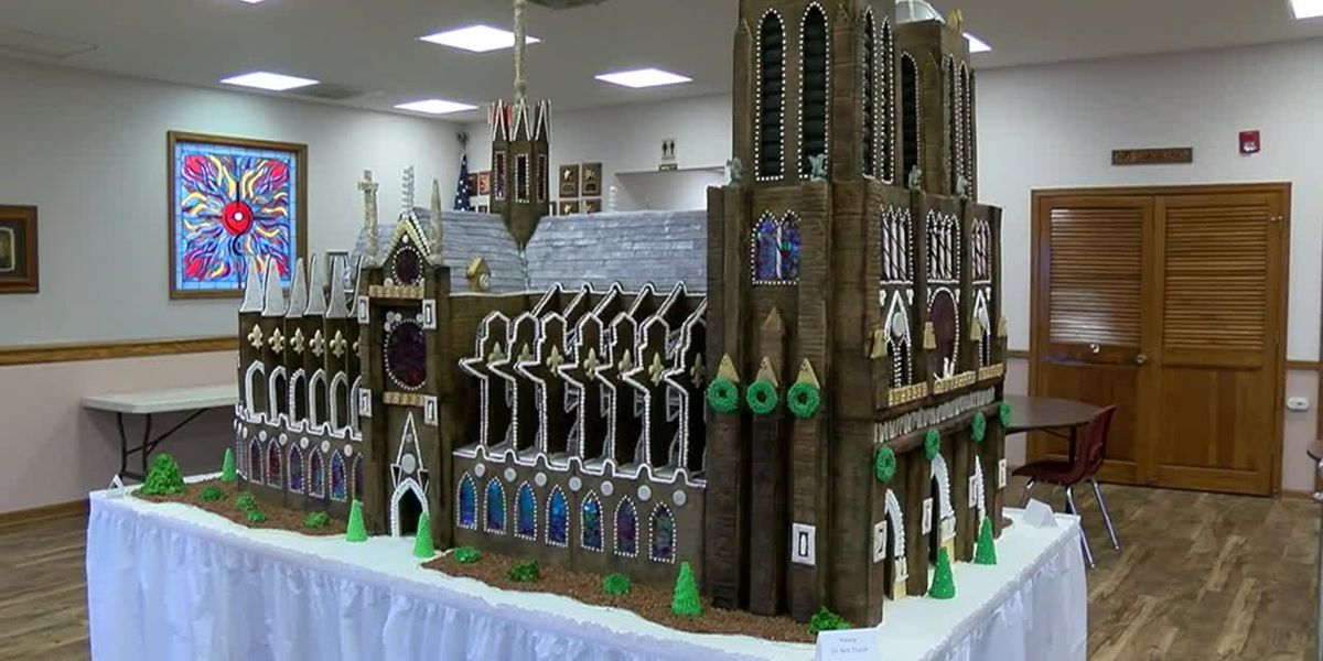 Church builds ginerbread replica of Notre Dame