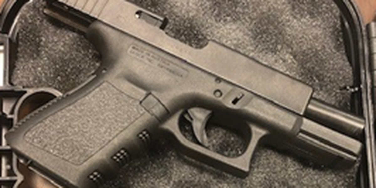 Chesterfield man found with loaded gun at airport