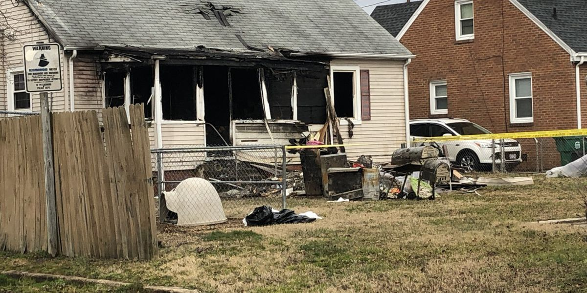 7 displaced, dogs killed following house fire in Petersburg