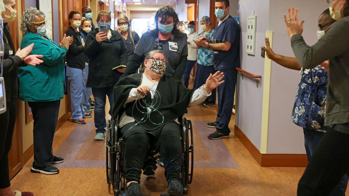 Virginia woman leaves Sentara Martha Jefferson Hospital after nearly 3 months battling COVID-19