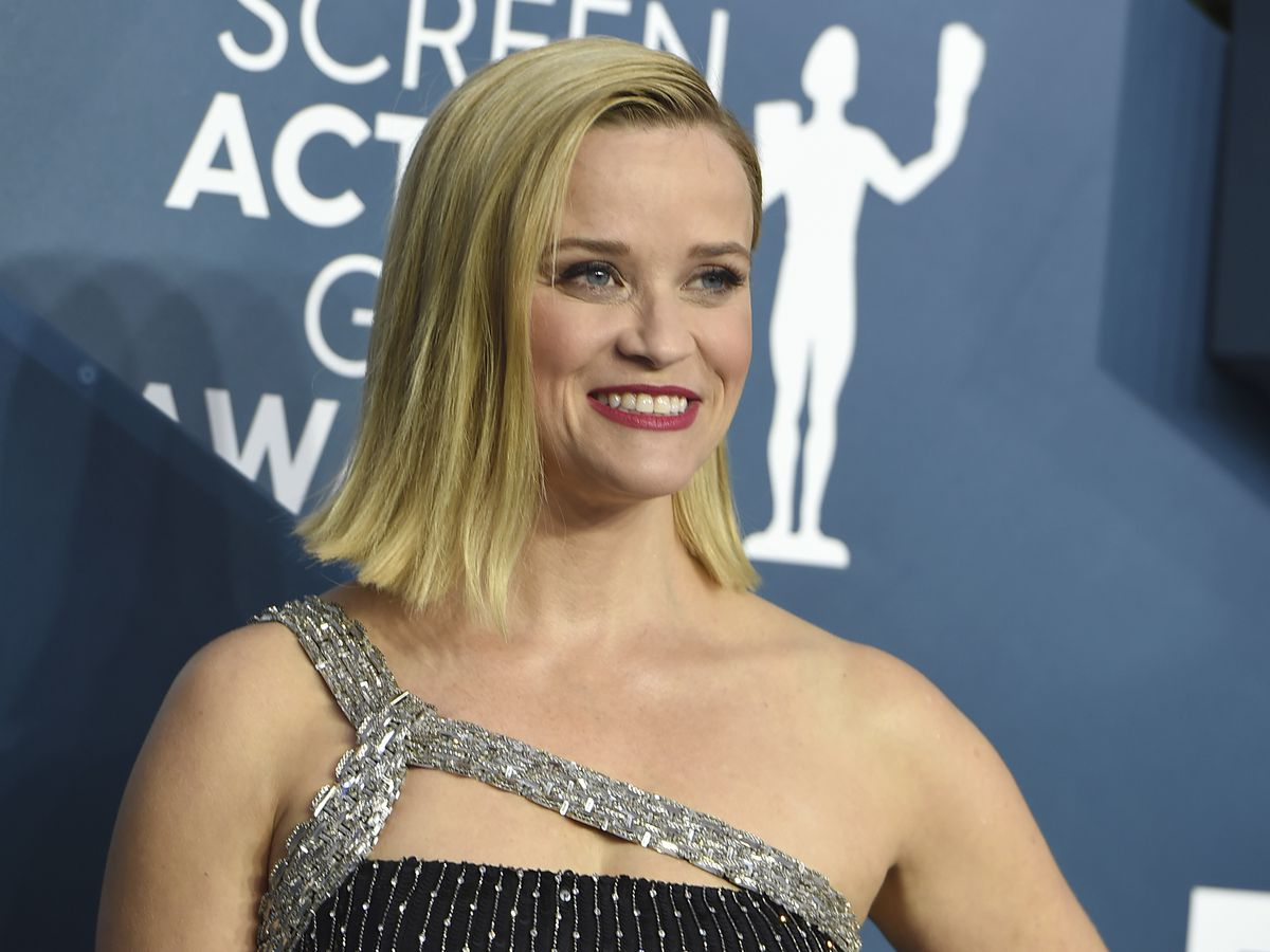 Reese Witherspoon's Draper James clothing line giving away dresses to teachers as thank you