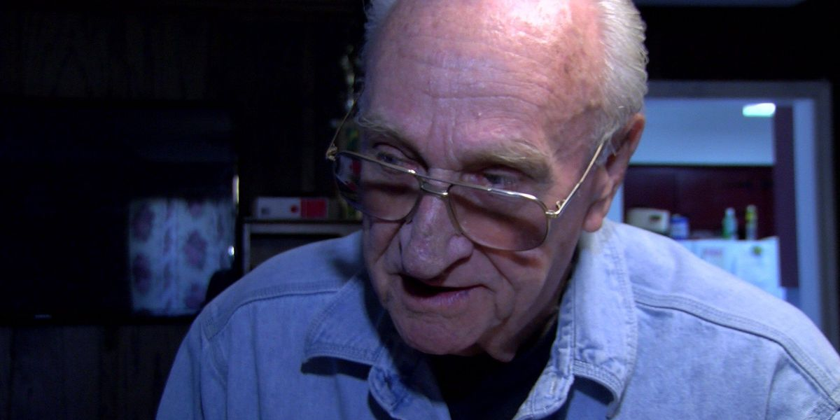 Bank reimburses 85-year-old war vet after thieves drain thousands from account