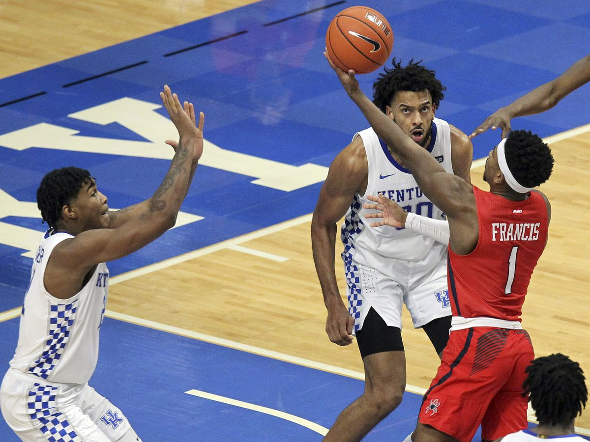 Richmond beats No. 10 Kentucky, 1st win vs AP top-10 team