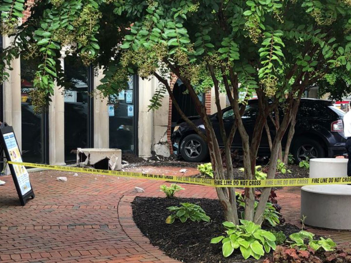 Two-vehicle crash ends with SUV slamming into Richmond's Hull Street Library