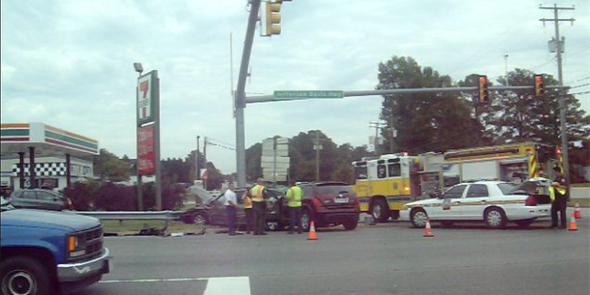 5 people transported to hospital after Chesterfield crash